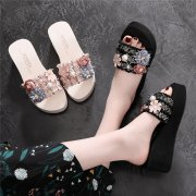 Women's Slippers with Flowers Beads and Thick Heels